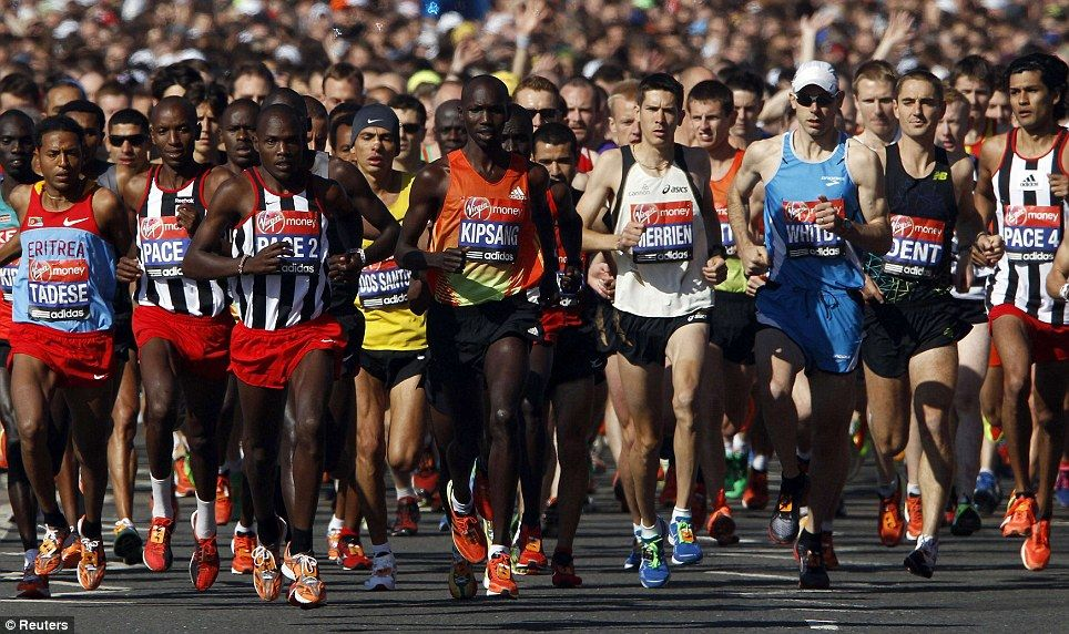 men's elite field at the start of the marathon