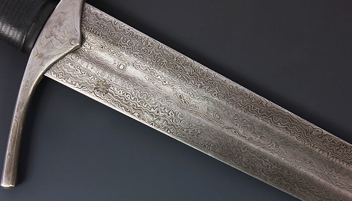 Pin By Rowan Drake On Swords Knight Sword Medieval Knight Damascus Steel