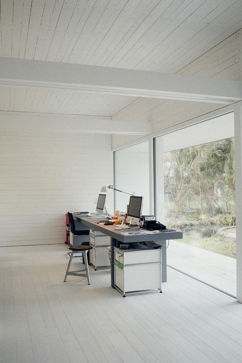 studio space + furniture + white. //Manbo