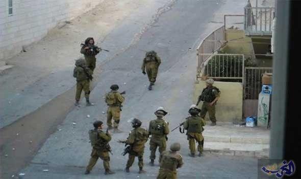قوات خاصة تابعة لجيش الاحتلال تقتحم مخيم…