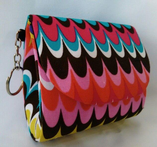 Moedeira em cartonagem, produção artesanal e tecido importado!