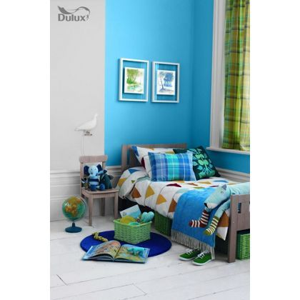 Dulux endurance striking cyan matt emulsion paint 2 5l for Dulux paint ideas bedroom
