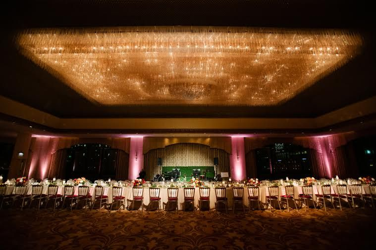 A collection of our favorite Chicago wedding venues! Let us help you plan your dream wedding at one of these locations!  http://visionseventstudio.com/2016/03/top-12-chicago-wedding-venues/
