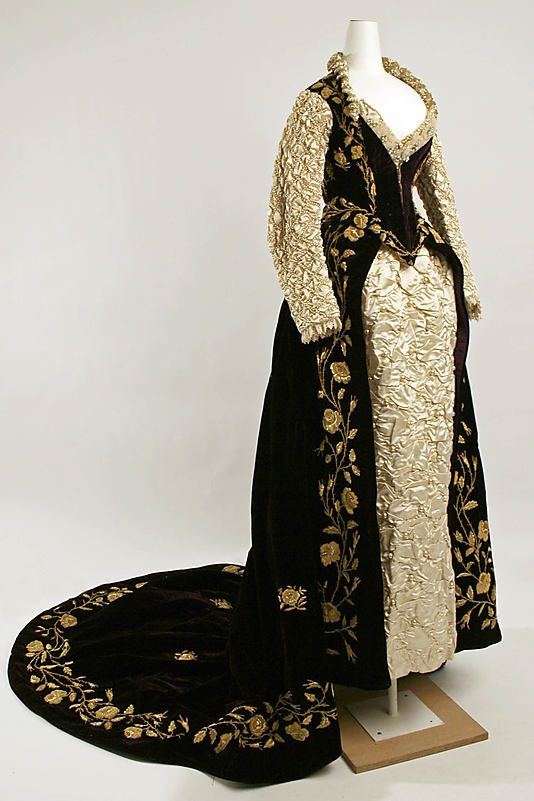 """Embroidered velvet and puffed satin """"Renaissance"""" fancy dress costume, French, 1890-1909."""
