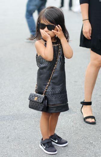 65ad6804ac6814 Kids Chanel bag! OMG | mini | swag | Little girl fashion, Fashion ...