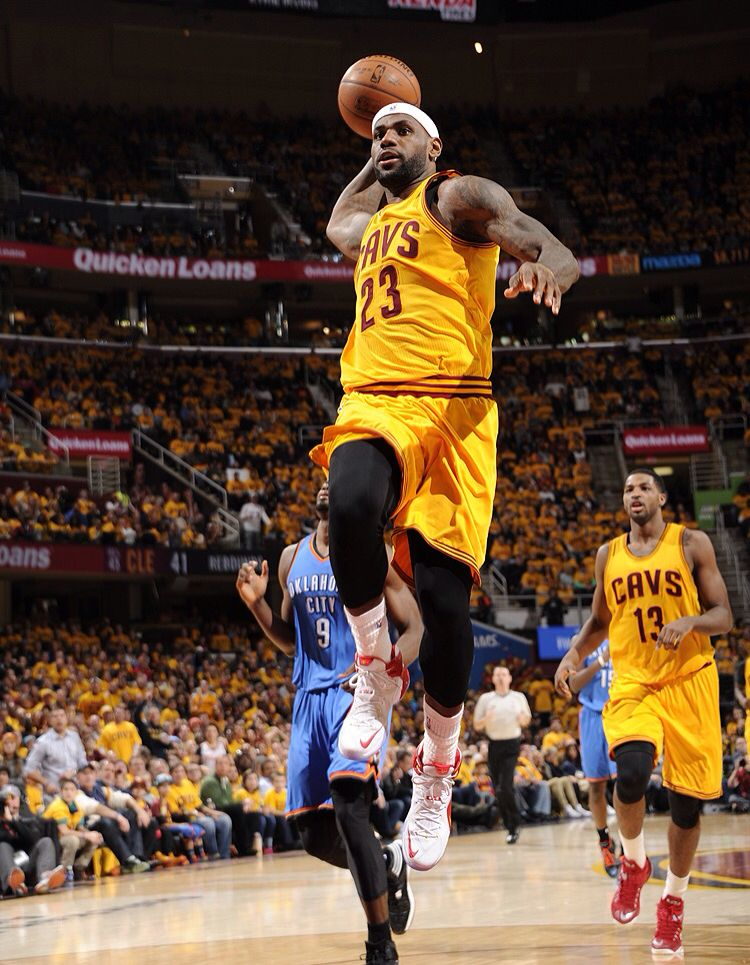 lebron goes up for a dunk 1 25 2015 vs the okc thunder cavs won 98