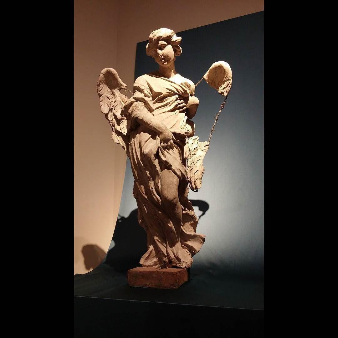 Meanwhile in #Rome...#Giovan #Lorenzo #Bernini #angel #sculpture  #travel #adventure #explore #traveler #exploring #explorer #traveling #adventureisoutthere #latergram #art