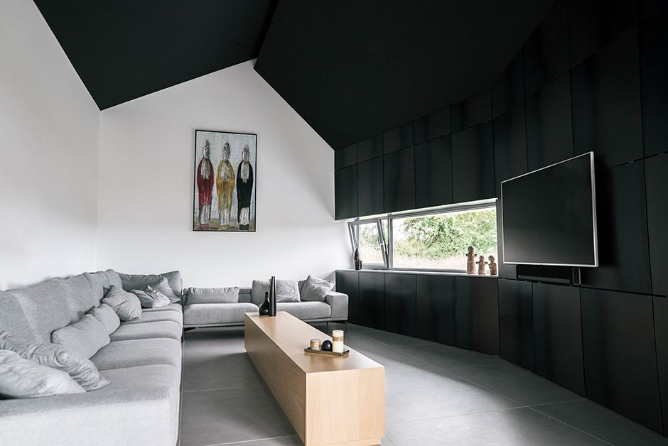 Salon avec plafond noir HOUSES Pinterest Condos, Villas and Metals