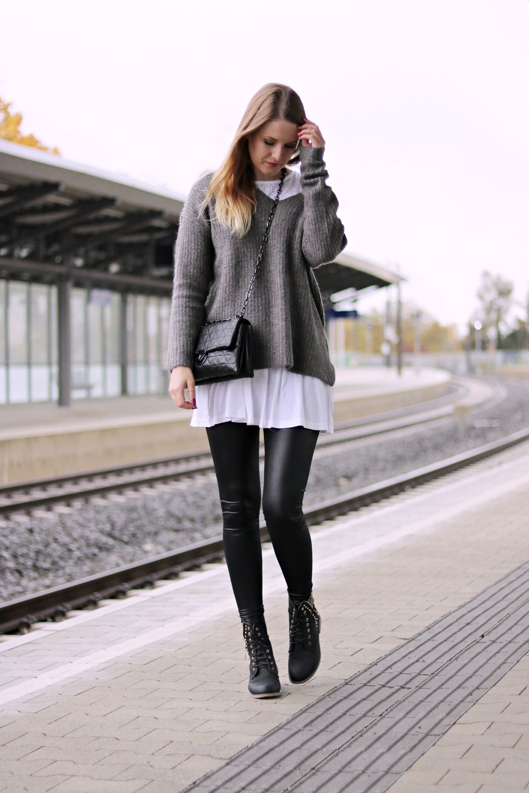 Lederleggings kombinieren - so stylst du diesen Herbst Trend #90sfashiontrends