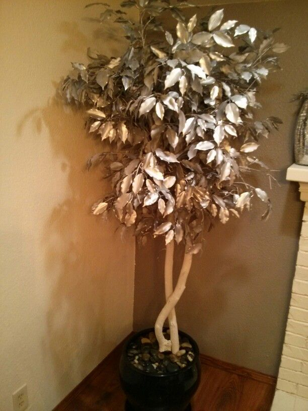 Spray paint your fake tree! Save hundreds z gallarie ...