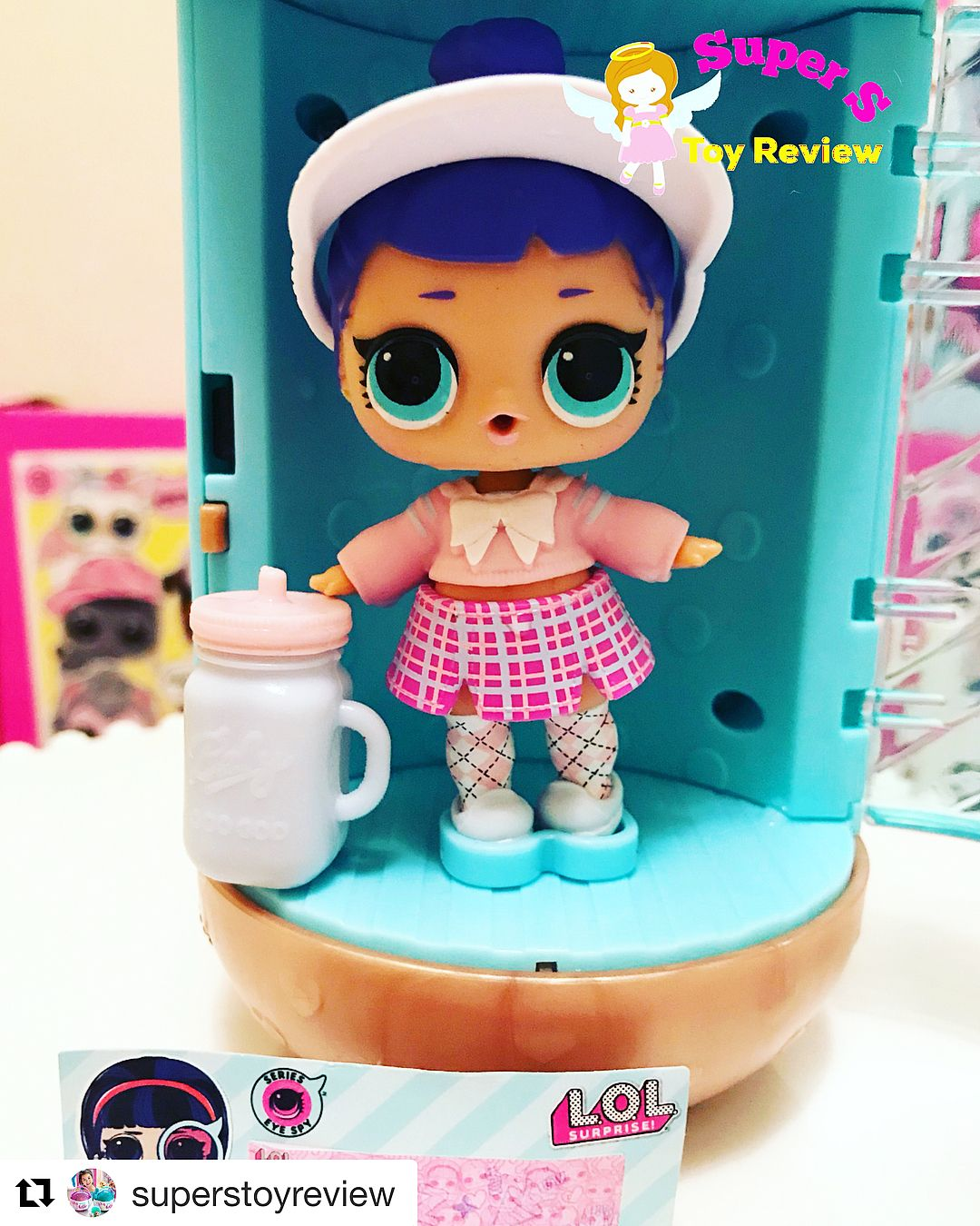 How cute is she! Please go checkout  superstoyreview YouTube to see her  unboxing. 12d3284f7710