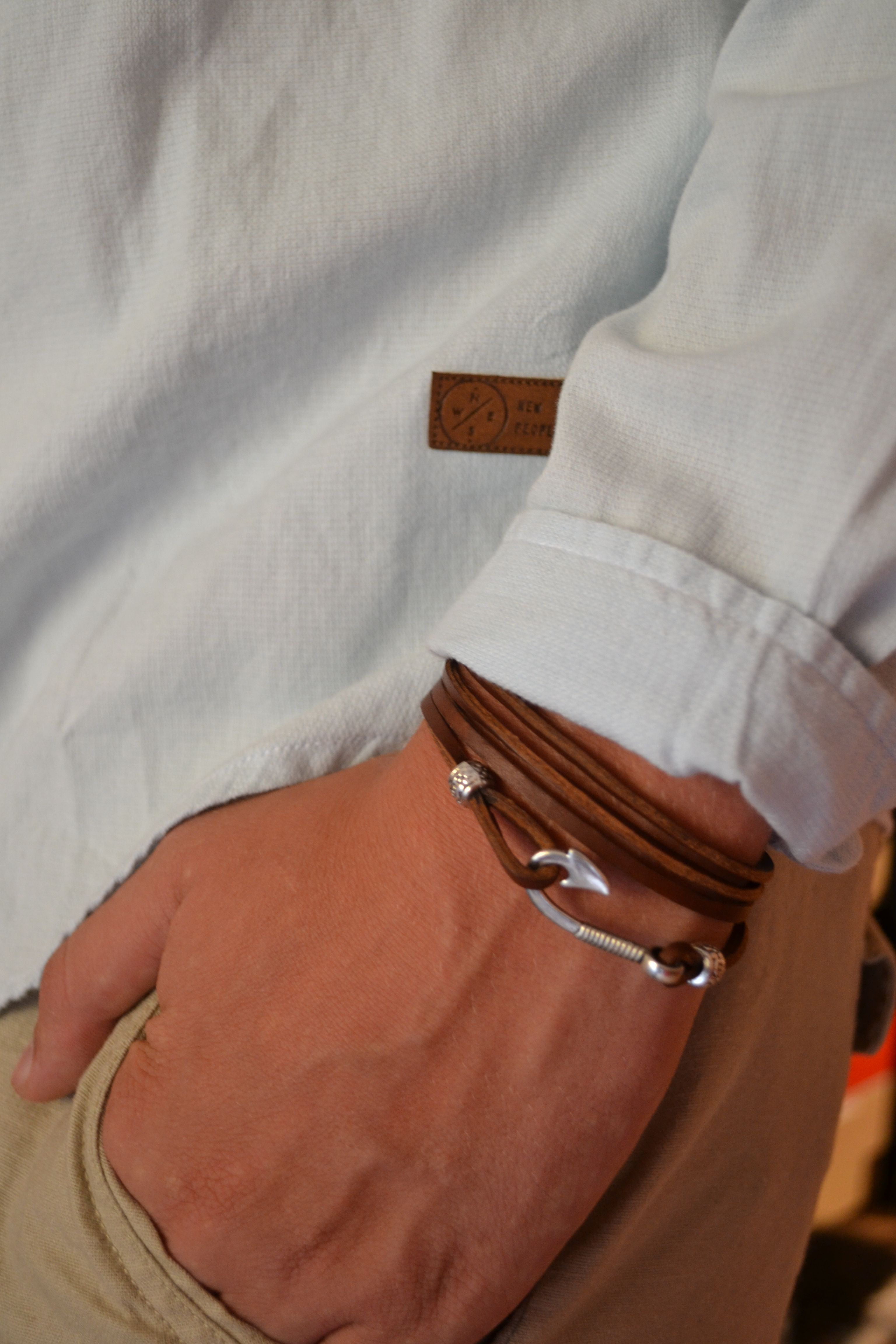 53889d20191c Esclavas Para Hombre · PULSERA NAUTICA DE TIRITAS DE CUERO