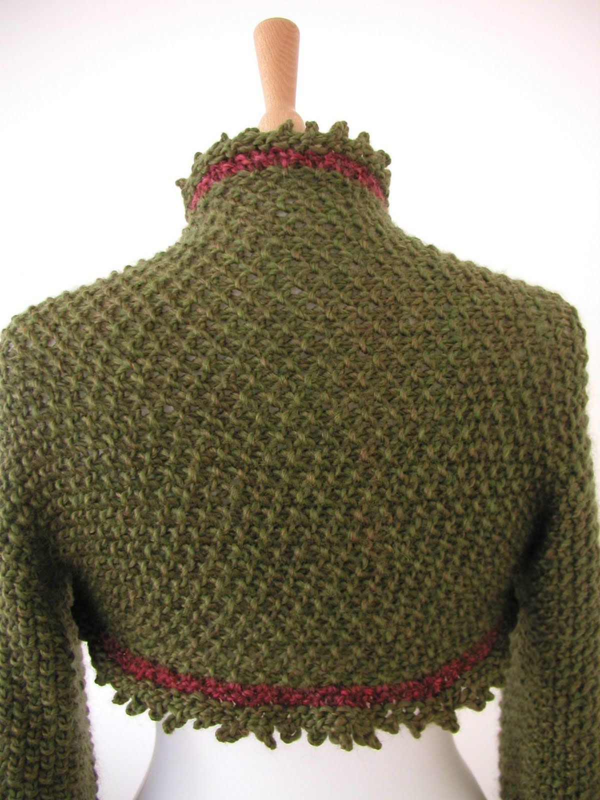 Shrug patterns to knit hand knitted things patterns holly shrug patterns to knit hand knitted things patterns holly berry shrug bankloansurffo Image collections