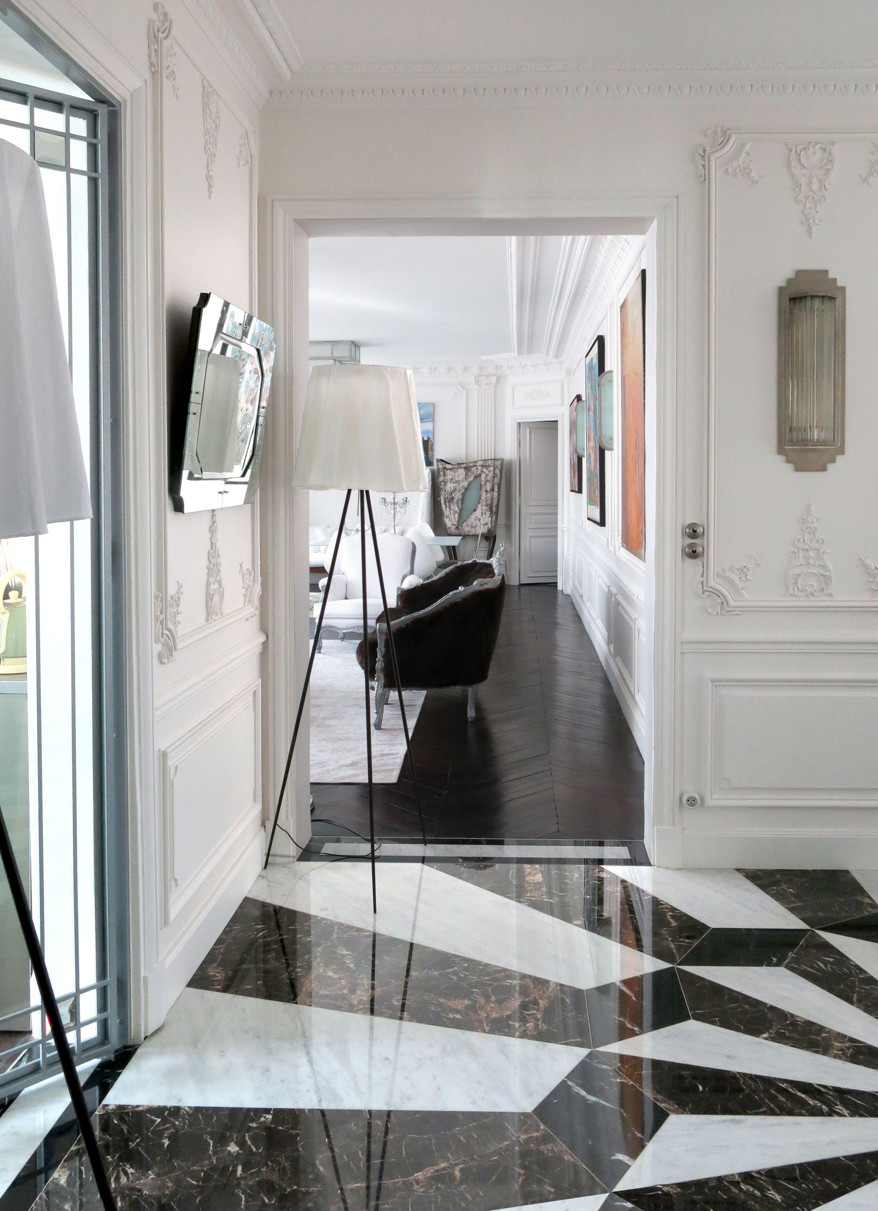 Entree Sol Marbre Noir Marquina Blanc Carrare Noir Saint Laurent Moulures Parquet Noir Applique Idee Deco Appartement Deco Marbre Style Art Deco