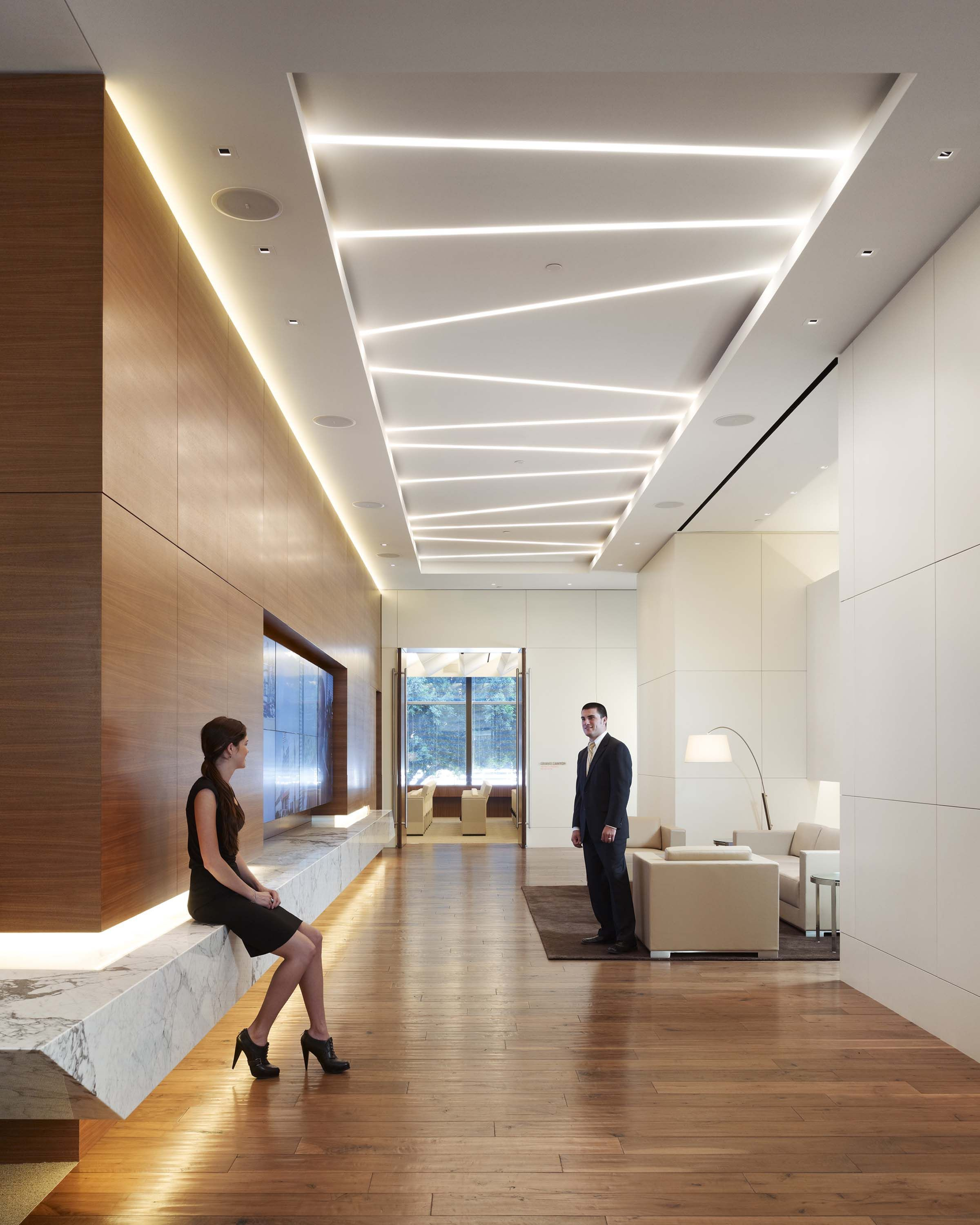 Lobby Decor Always Need A Luxurious Suspension Lamp Discover More