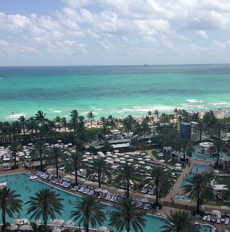 Just another gorgeous day at Fontainebleau as seen through the eye of Instagram user, @dudagaribe.