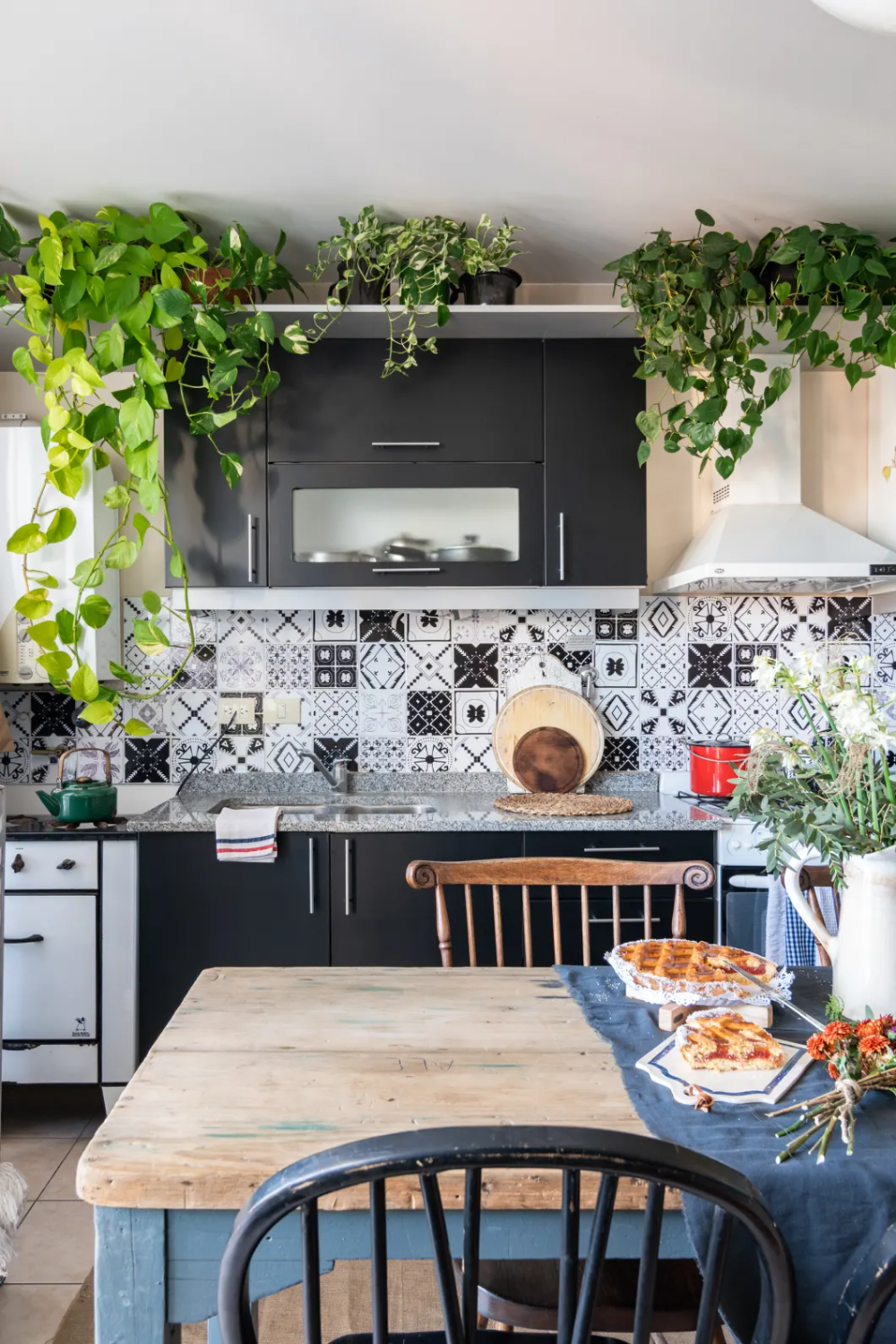 20 easy ways to get the breezy boho kitchen of your dreams in 2020 boho kitchen bohemian on boho chic kitchen id=47901