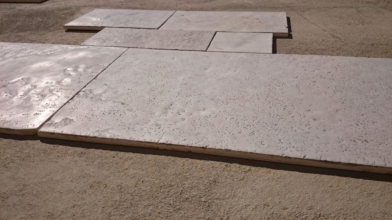Pavimento In Pietra Di Trani : Chianca classica in pietra di trani by musicco stone lavorazione