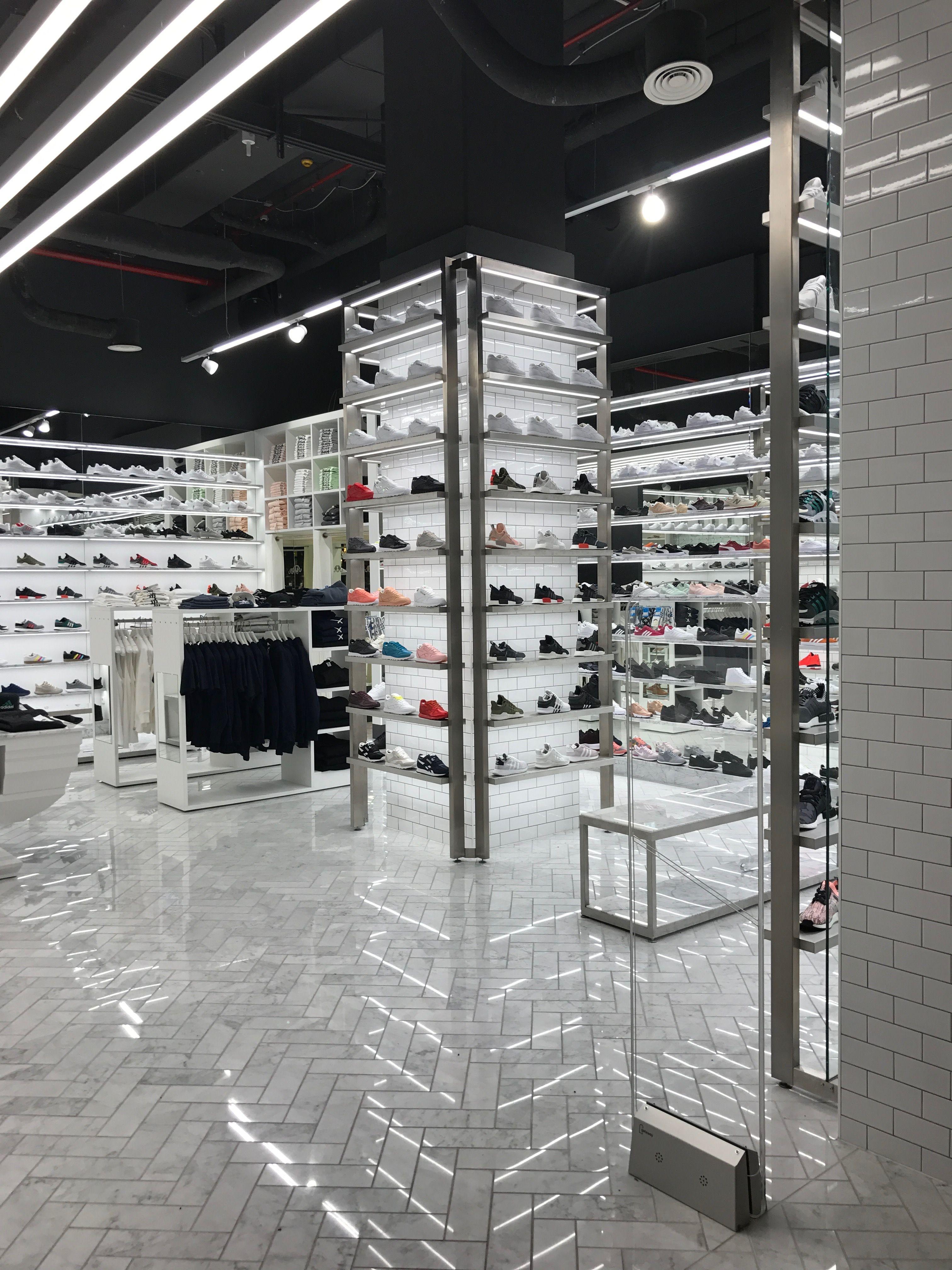 big sale 2f86f d770c Crisp sneaker store in Berlin- Brigitta Lutsch   Fashion ...