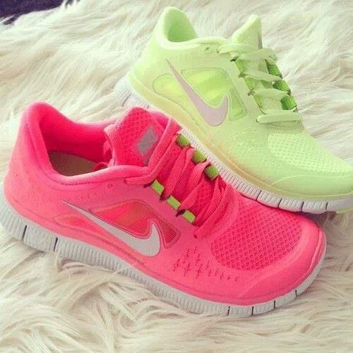 13c5aba00d88 Neon Nikes (trainers running)- not green