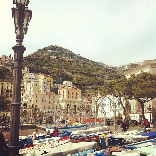Barche, case e terrazzamenti della Costiera Amalfitana - #sealife #italianplace #costieraamalfitana #placeinthesun
