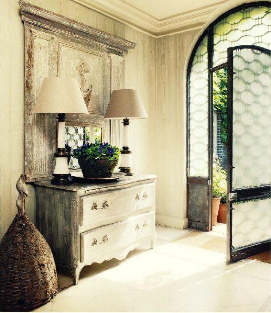 Restaurar los muebles antiguos no solo tienen un gran valor ...