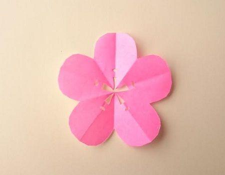 折り紙で梅の花の切り絵の簡単な切り方 作り方 折り紙の花 2020 折り紙 花 梅の花 折り紙 梅の花