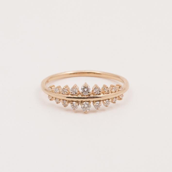 Vega Tapering Diamond Ring