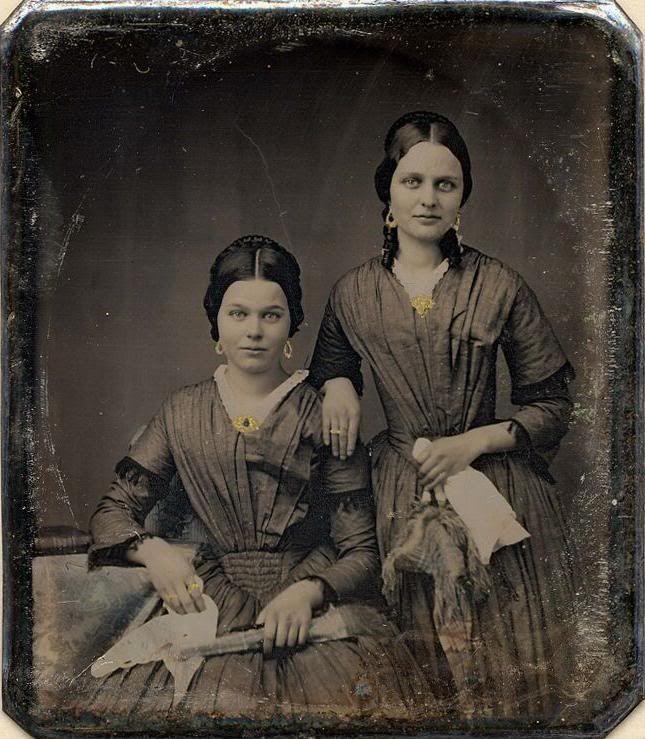 1850's Sisters. | Vintage portraits, Daguerreotype, Vintage photos