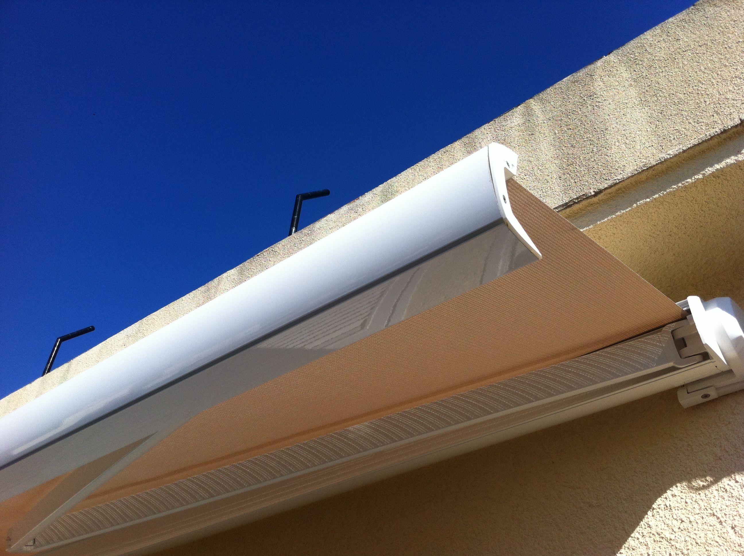 Toldo cofre para terrazas sistema de toldo protector por - Toldo con cofre ...