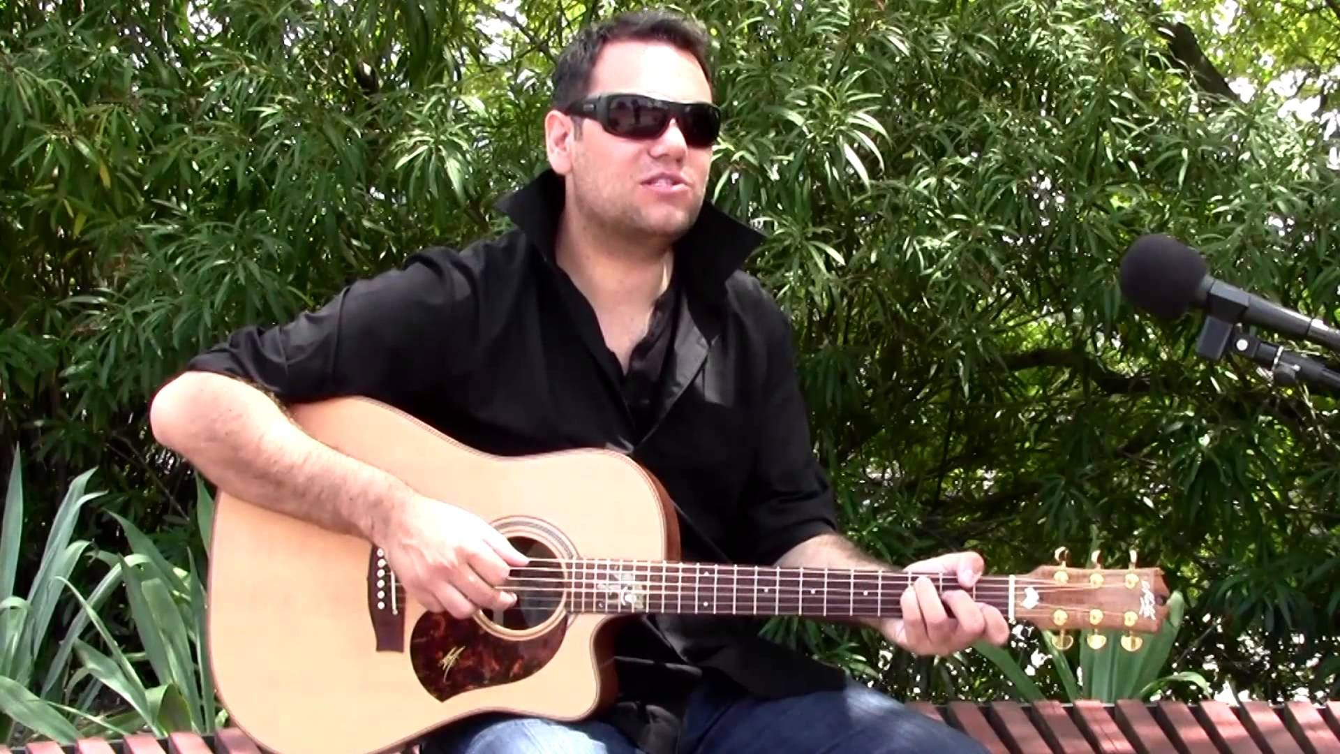 """Dewayne Everettsmith """"It's Like Love"""" - LIVE and Acoustic on the AU sess..."""