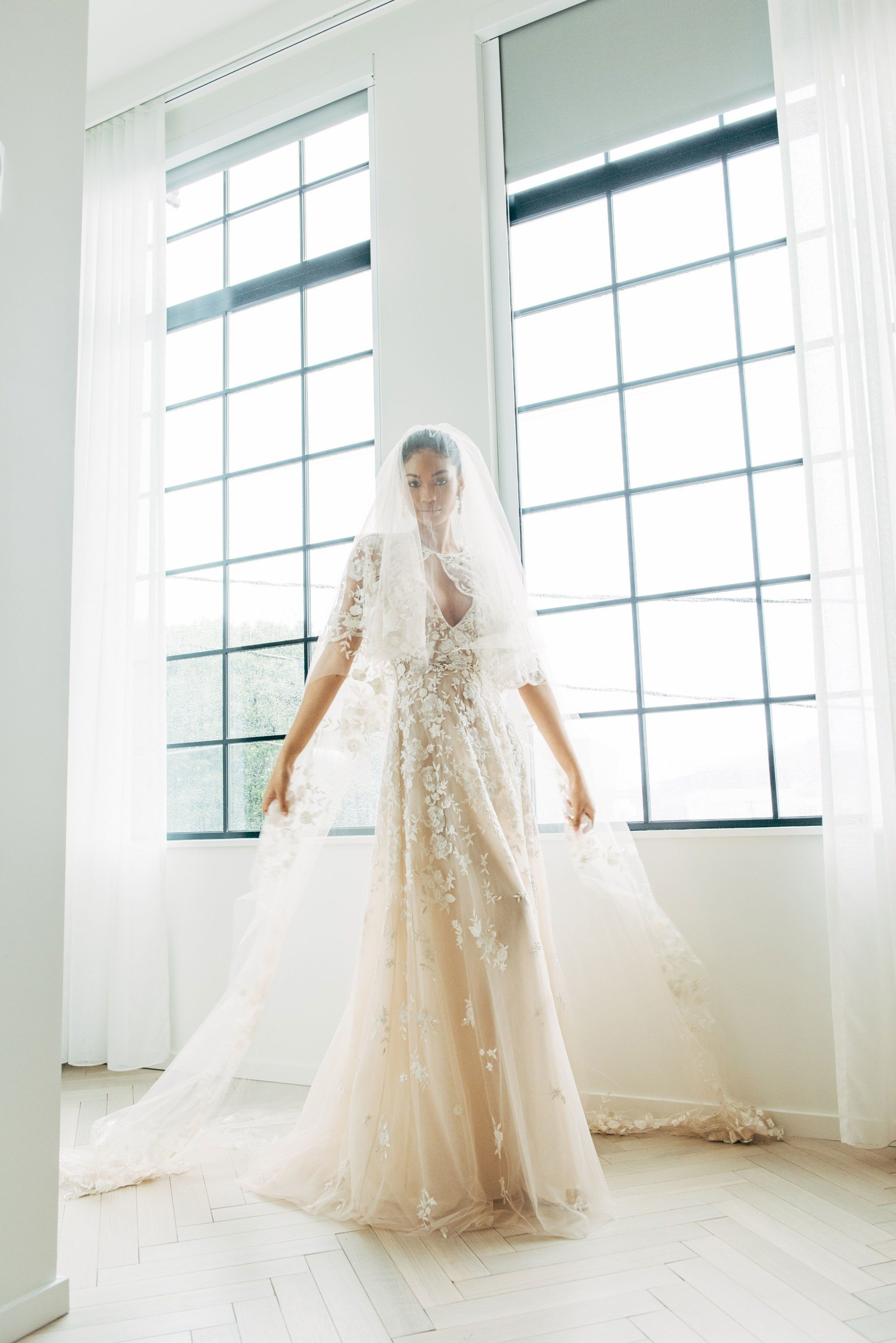 Photo of In Chanel Iman's last wedding dress that fits before you walk down the Beverly Hills aisle