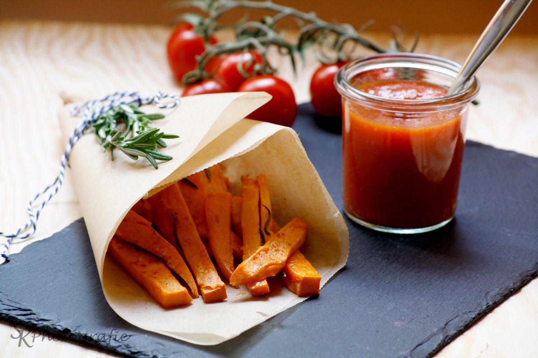 Alles und Anderes: Gebackene Süßkartoffel-Pommes mit selbstgemachtem Ketchup