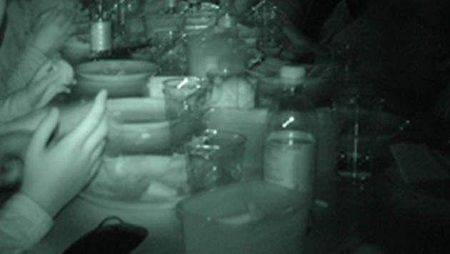 Dineren in het donker, zelfstandigheid