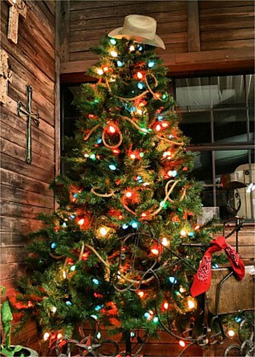 Western Themed Christmas Tree Complete With Rope Garland Bandanas  - Country Decorated Christmas Trees