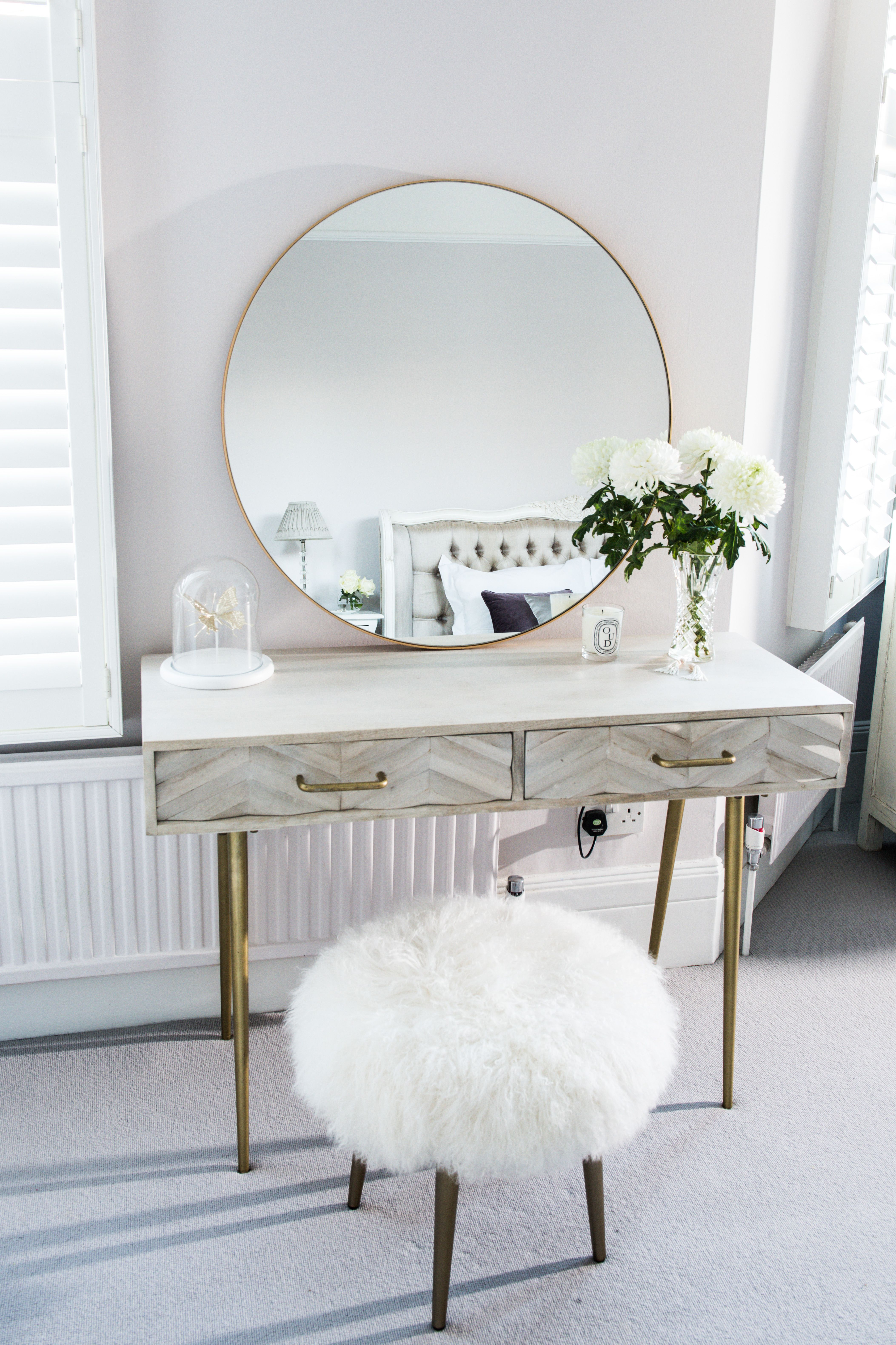 Heavenly Dressing Table Gold Framed Round Mirror From Habitat