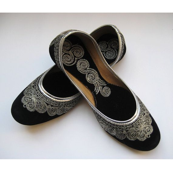c25fa90e20b225 Black Flats Silver Shoes Ethnic Shoes Velvet Shoes Handmade Indian Designer  Women Shoes or Slippers Maharaja Style Women Jooties