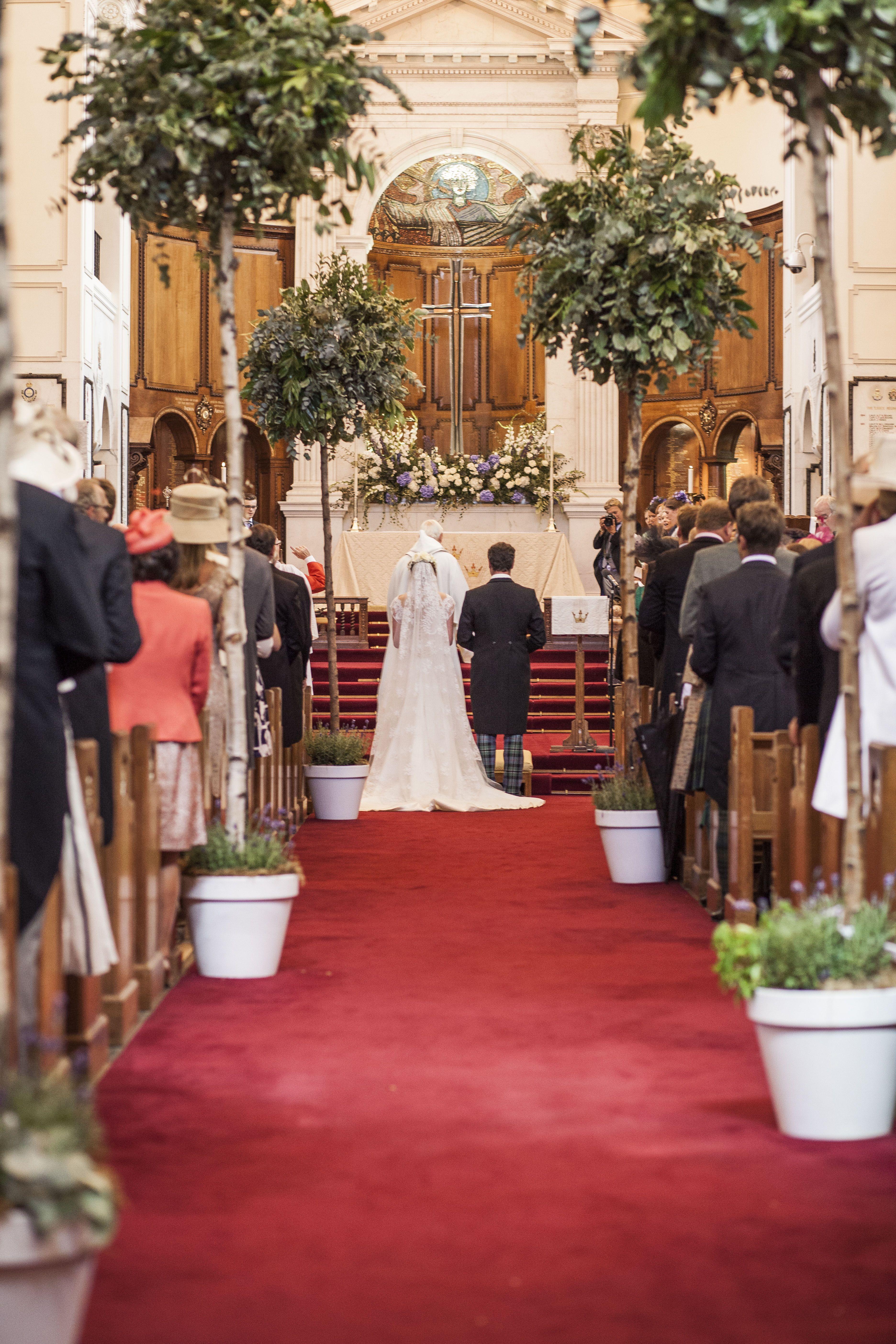 Wedding in the Chapel at RMA Sandhurst ©Matt Harris