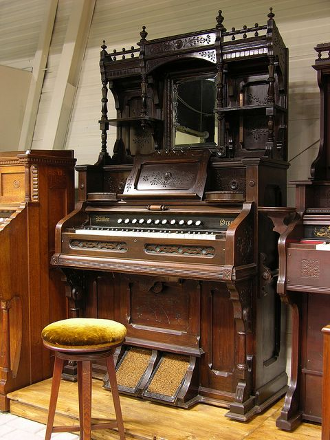 dominion organ and piano co serial numbers