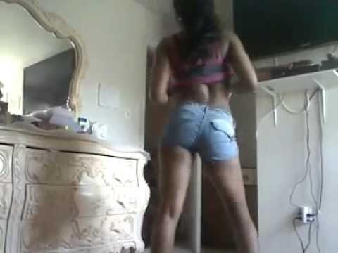 Adriana booty dance