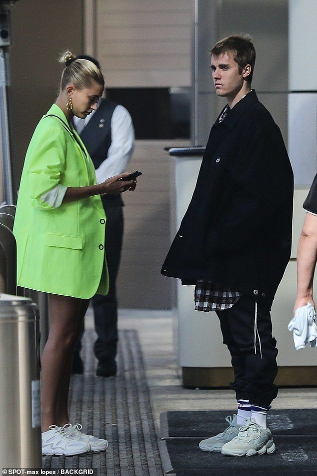 Justin Bieber keeps things casual as he steps out
