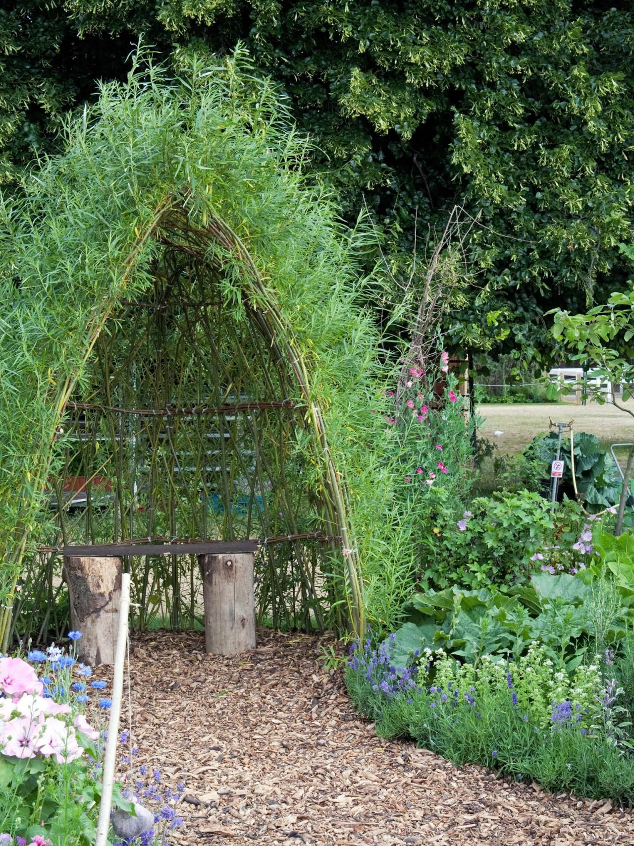 how to plant a child friendly garden