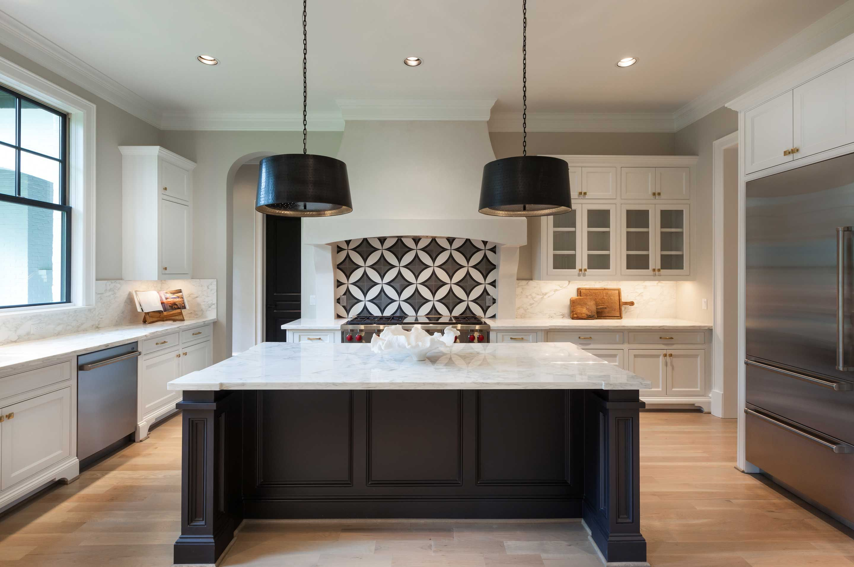 White Cabinets Black Pendants Black Window Dark Island Simple Kitchen Remodel Affordable Kitchen Remodeling Kitchen Remodel Small