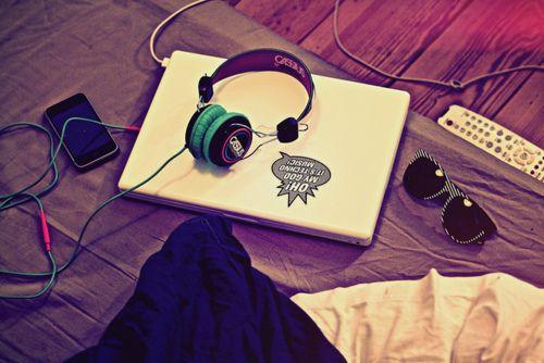 Entre mis aficiones están la música, el cine y navegar por