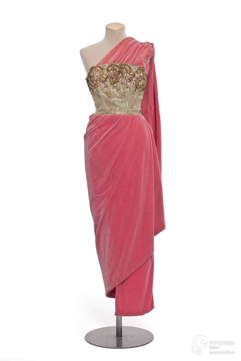 Designer vintage fashion style couture pink velvet gold embroidered ...