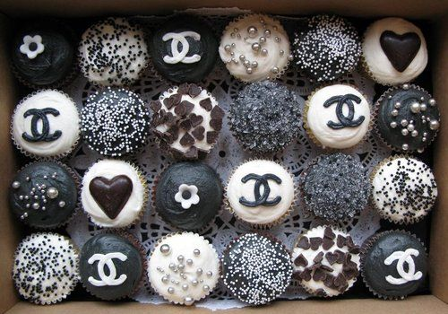 Chanel cupcakes. Need we say more?