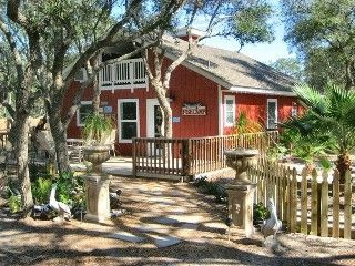 rockport cottage rental the grouper at fishcamp rockport tx rh pinterest co uk rockport cabin rentals rockport texas cottage rentals
