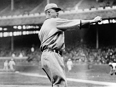 Grover Cleveland Alexander With Images Baseball Star Sports Photos Grover Cleveland
