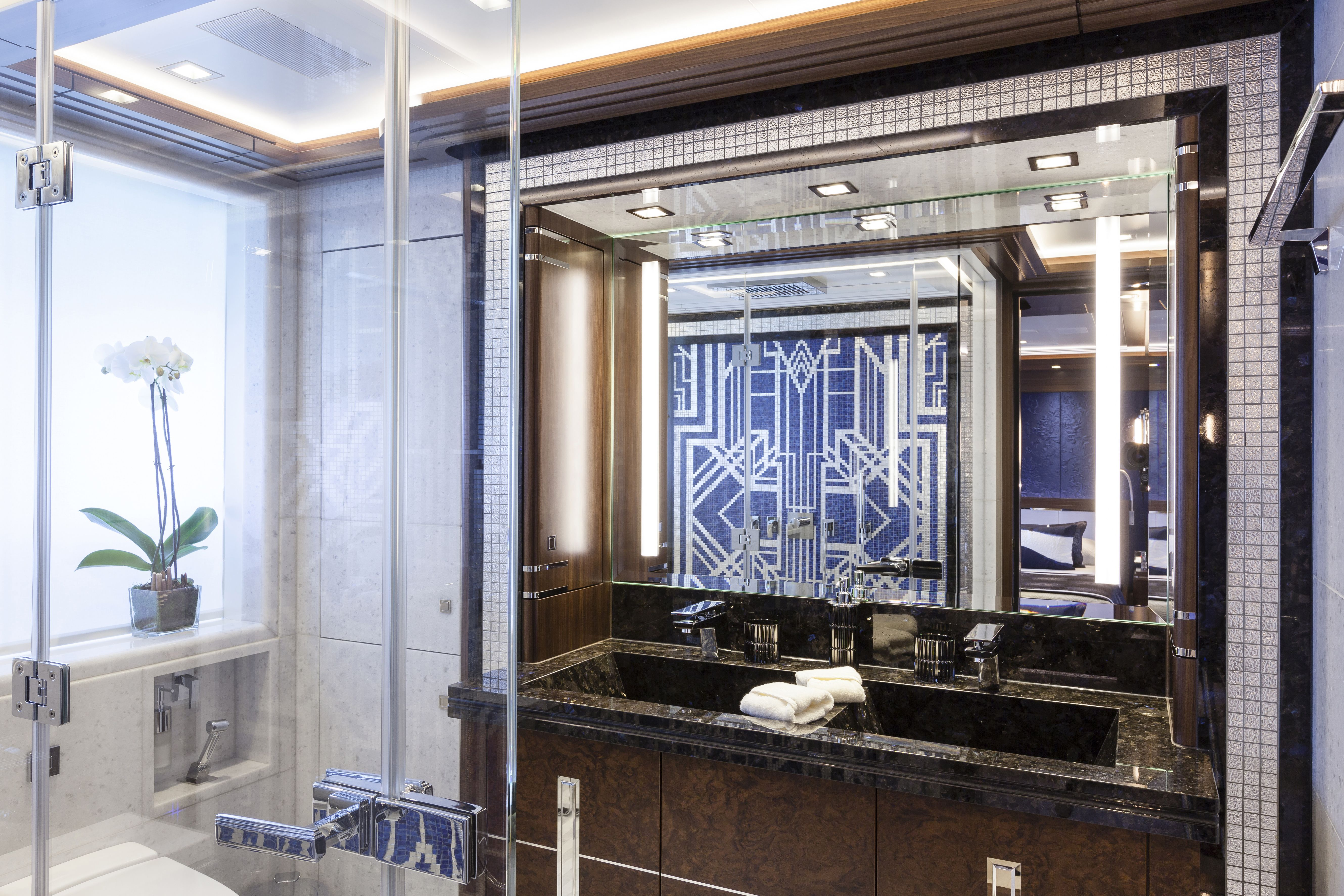 M/Y Ann G amazing Art Deco bathroom © Heesen Yachts | Yacht ...