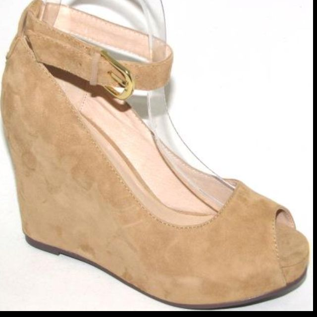 Mollini winter style in camel...@ White Pony